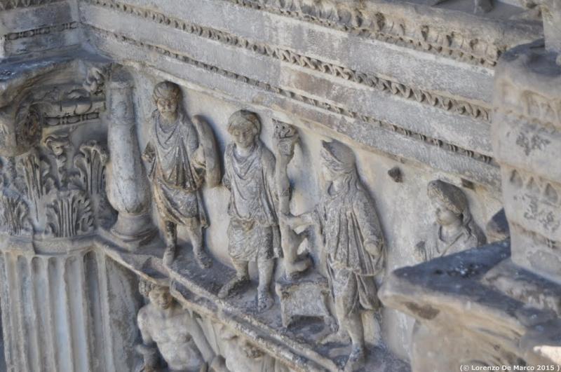 dettaglio arco di Traiano 3