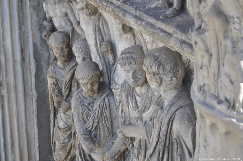 dettaglio arco di Traiano 1
