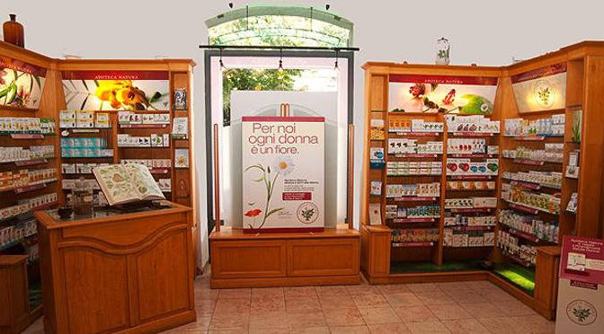 Scaffali di farmacia